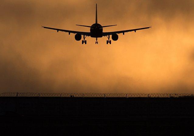 俄交通部部长:若基辅向俄航空公司关闭乌领空 俄方将被迫采取对等措施