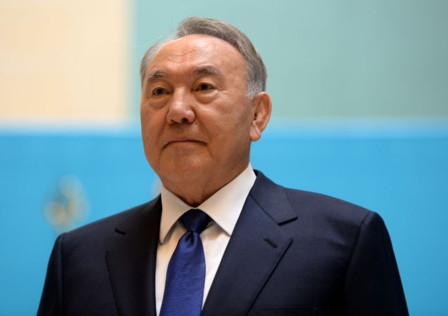 哈萨克斯坦总统第五次成为曾祖父