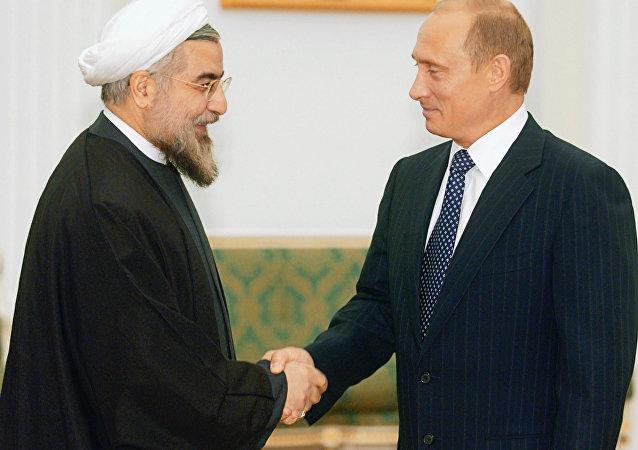 俄伊兩國領導人討論解決伊核計劃的有關問題
