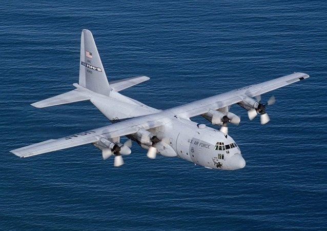 美國C-130「 軍用運輸機