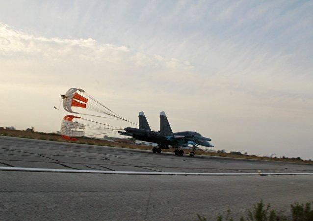 俄打击在叙恐怖主义的武器:数十架飞机和海军陆战队