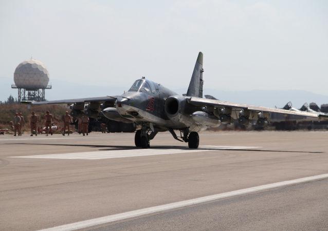 Российский самолет Су-25  на аэродроме Хмеймим в Сирии
