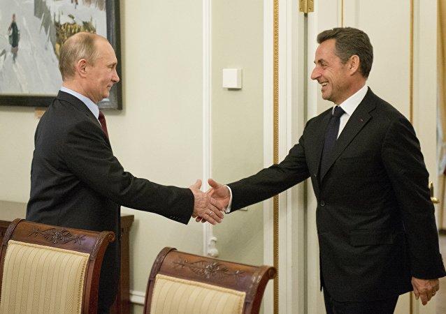萨科齐希望俄罗斯与西方能走出对峙期