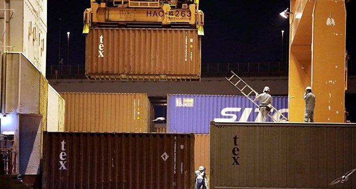 中国海关总署:1-8月中俄贸易额为705.9亿美元 同比增长4.5%