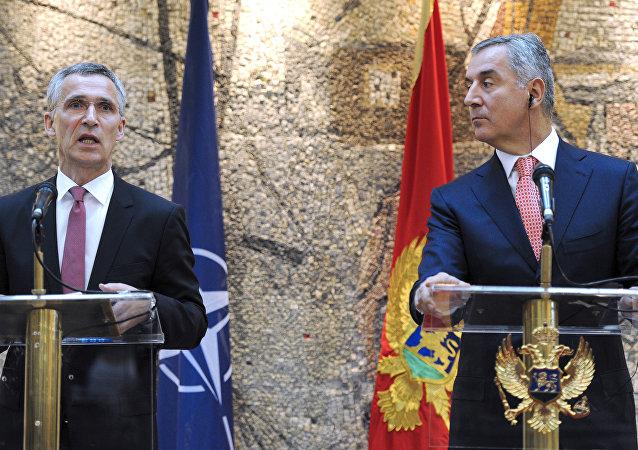 北约秘书长斯托尔滕贝格和黑山共和国总理久卡诺维奇谈黑山入欧问题/资料图片/