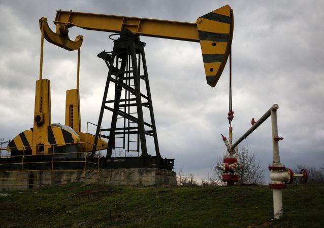 欧佩克与非欧佩克产油国将提高产量以避免今年下半年供给不足
