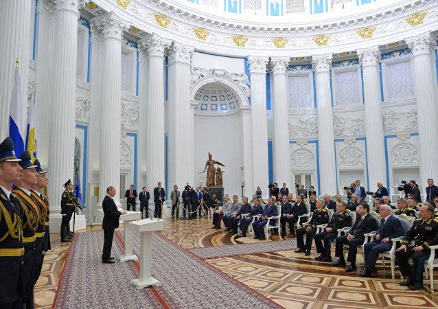 普京:在叙利亚的行动证明俄方准备有效回应任何威胁
