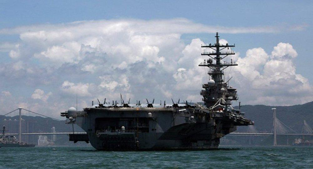美國「羅納德•里根」號航母艦載軍機著火