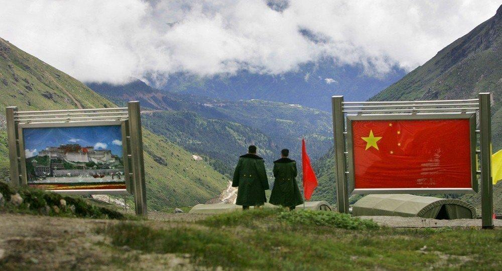 中国外交部:印度边防部队撤回中印边界印方一侧是中印开展对话的前提