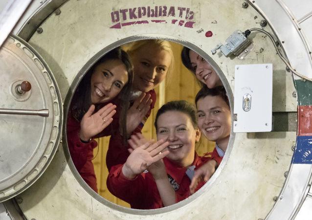 俄航天集团公司总经理赞成招募女性宇航员的想法