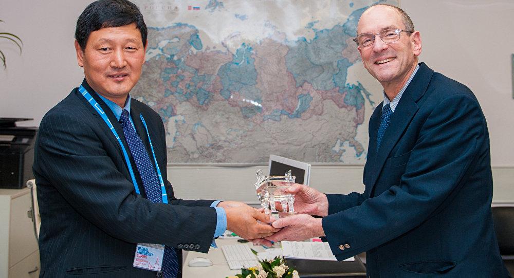 莫斯科国立钢铁合金学院与北京科技大学在金砖国家全球大学峰会框架下签署意向备忘录