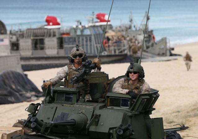 美國海軍陸戰隊員