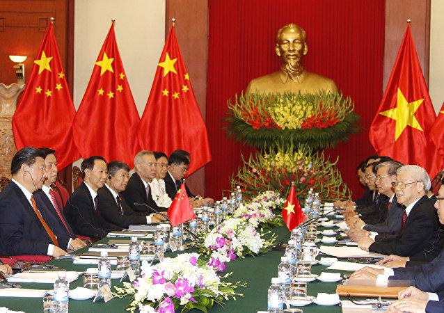 越共總書記和習近平支持加強兩國友誼與合作