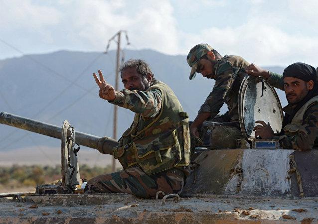 敘政府軍正在距巴爾米拉兩公里處與「伊斯蘭國」進行戰鬥