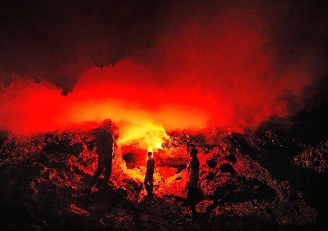 火山爆发/资料图片/