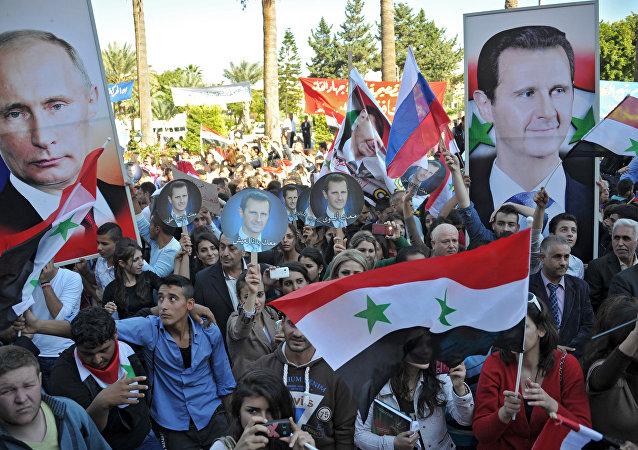 支持俄空天部隊行動大型集會活動在敘利亞塔爾圖斯進行