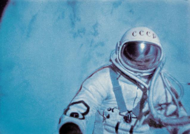 美國宇航局中斷直播報道列昂諾夫死訊
