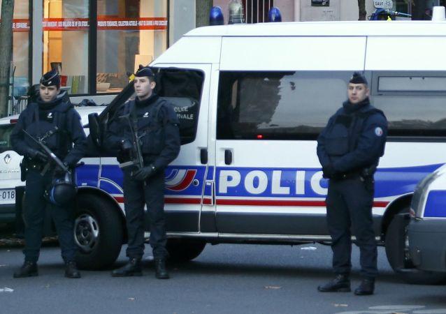 巴黎附近一旅遊團遭催淚瓦斯攻擊行李被搶