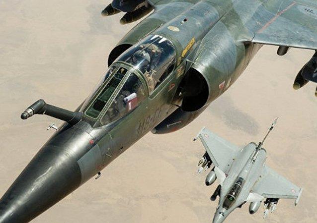 法空軍密集轟炸敘伊斯蘭國陣地