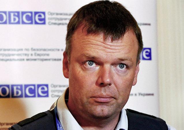 歐安組織特別觀察團副團長:烏克蘭東部重型武器到目前為止仍未全部撤出