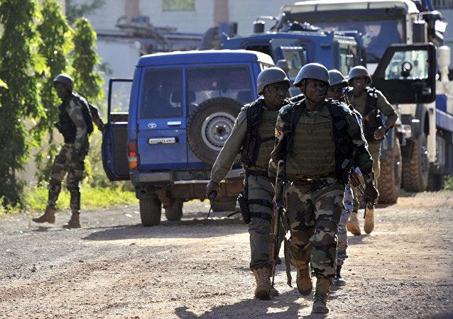 媒體:馬里首都酒店內約80名人質 在軍方突擊行動中被解救