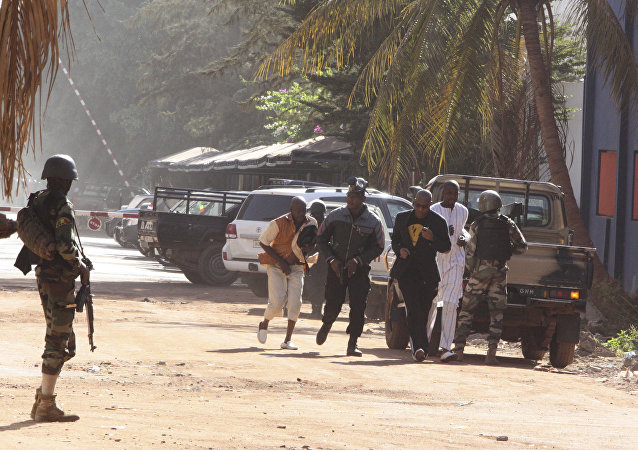法國向發生人質劫持事件的馬里首都派出50名特勤人員
