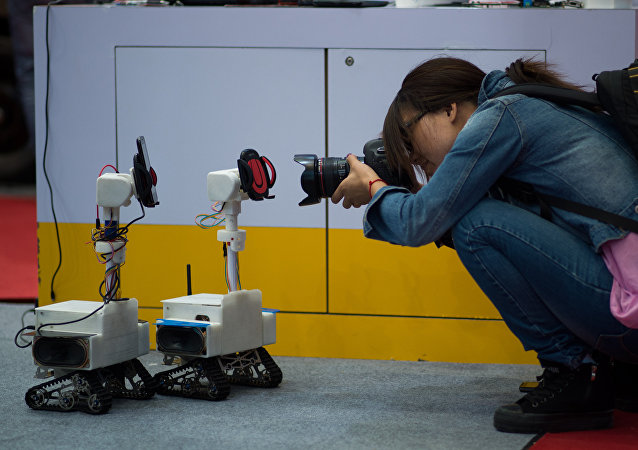 李源潮:中國將大力推動機器人技術產業發展