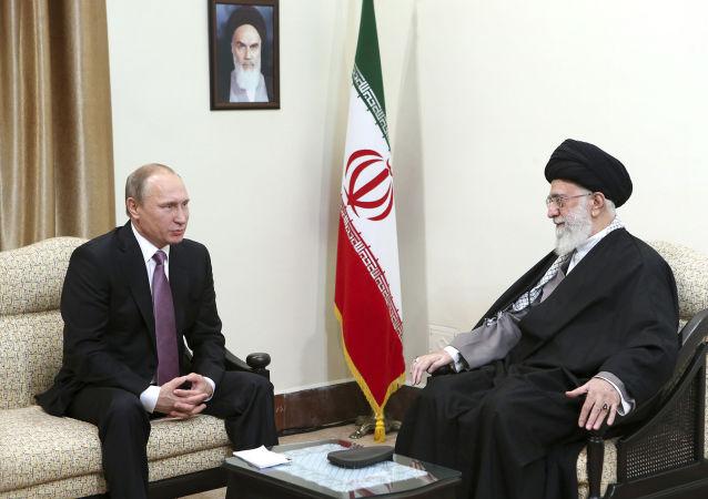 伊朗最高領袖:俄伊合作有助於「孤立美國」