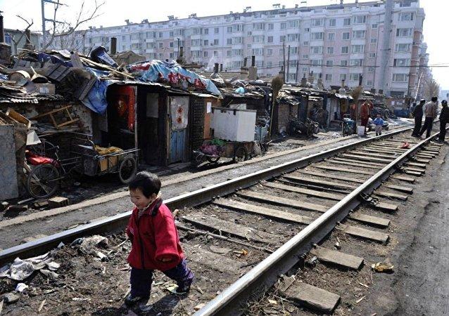 中国拟到2020年让7000万人口脱贫