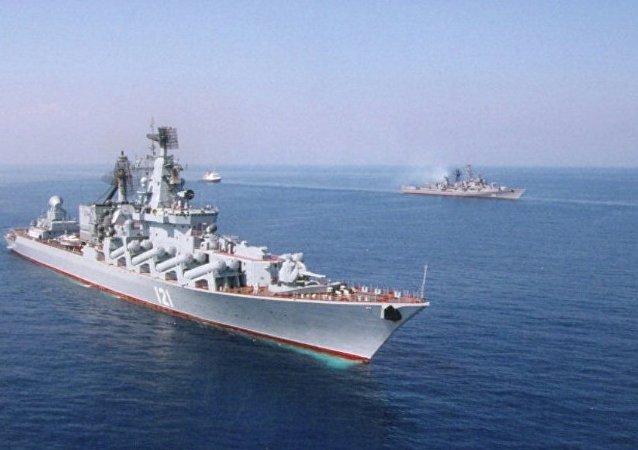 """""""莫斯科""""号巡洋舰占据拉塔利亚附近位置掩护俄战机"""