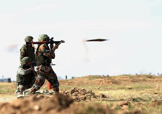 俄印军队在因陀罗-2018军演中消灭颠覆政府团伙