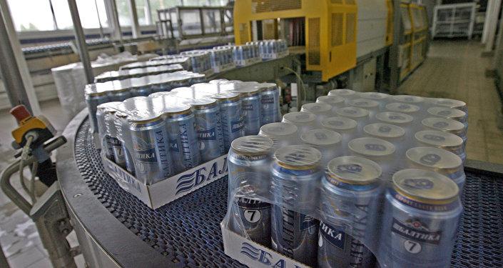 """媒体:俄啤酒制造商""""波罗的海""""公司为维护商标权向中国法院提起诉讼"""