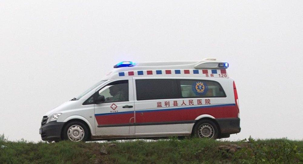 華媒:江西贛州一客車翻落10米左右深溝 致10人遇難