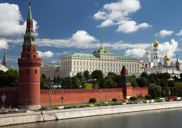 克里姆林宫不知道媒体报道的似乎赠送公寓并与普京有关的商人