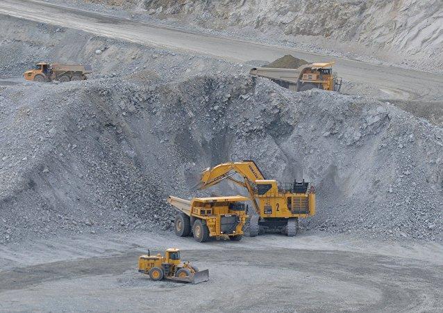 俄中计划成立合资基金投资远东矿业