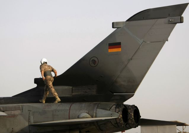 「狂風」戰機