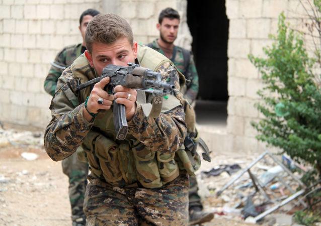 """消息人士:叙利亚军队消灭突入阿布凯马勒地区的""""伊斯兰国""""武装分子"""