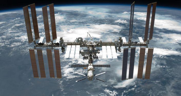 俄航天局:「聯盟TMA-19M」飛船已以手動模式與國際空間站對接
