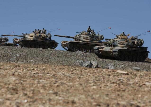 土耳其裝甲部隊在土敘邊境集結(資料圖片)