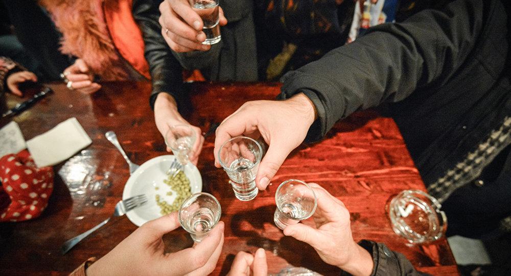 科学家找到治疗酒精性肝病的新方法