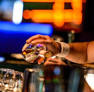 科学家:酒精曾使人类免于灭绝