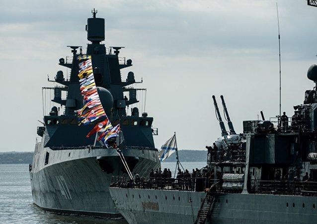 """""""西方-2017""""演习中俄波罗的海舰队与防空部队协同作战击退假想敌空中进攻"""