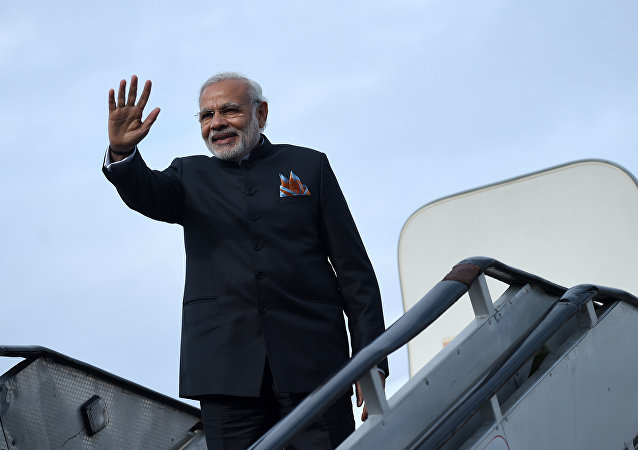 印度總理西裝全球最貴被錄入吉尼斯紀錄
