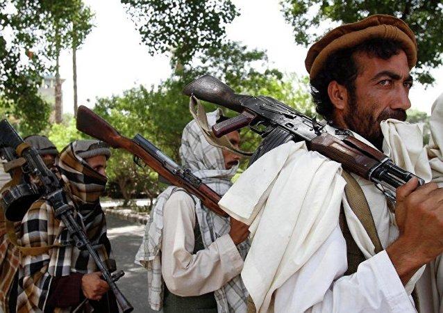 阿富汗军事基地遭塔利班袭击 约20名军人丧生