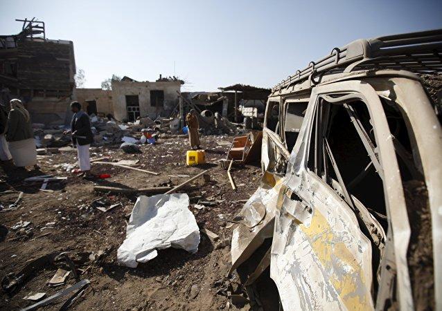 20余人在也門首都附近的轟炸中死亡