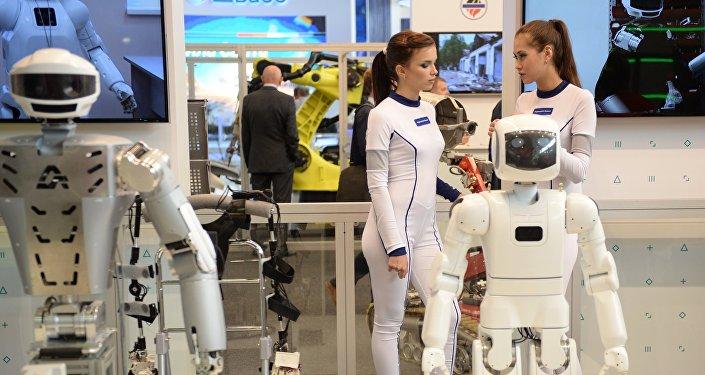 媒体:富士康用机器人取代6万工人