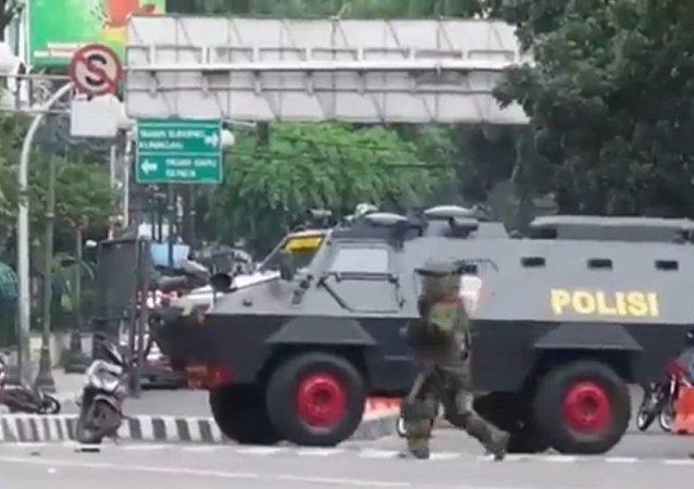 雅加达市区发生恐袭