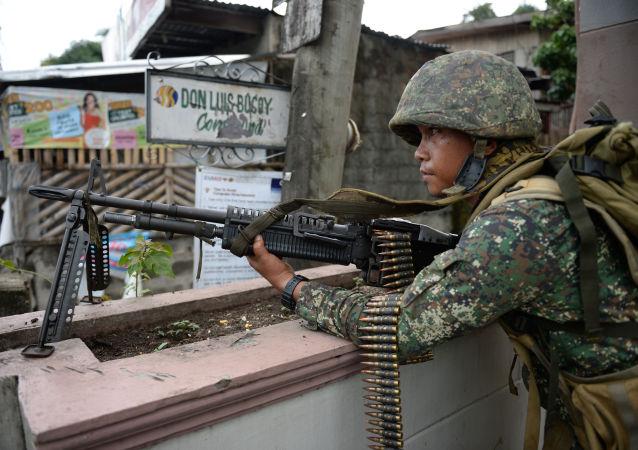 菲律賓「阿布沙耶夫」武裝分子釋放了3名印尼人質