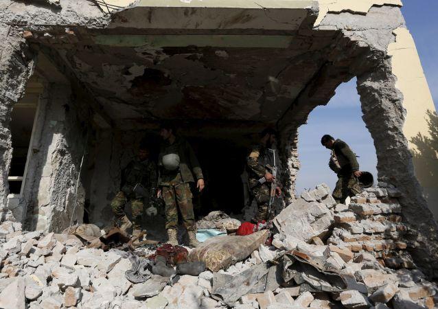在阿富汗有五名軍警在外國空軍的空襲中喪生