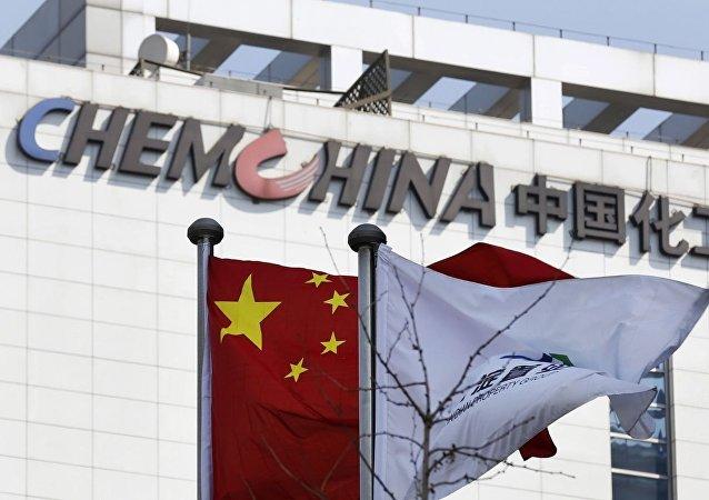 俄石油公司发布消息称,该公司与中国化工集团公司签署了每年对华供应240万吨石油的协议